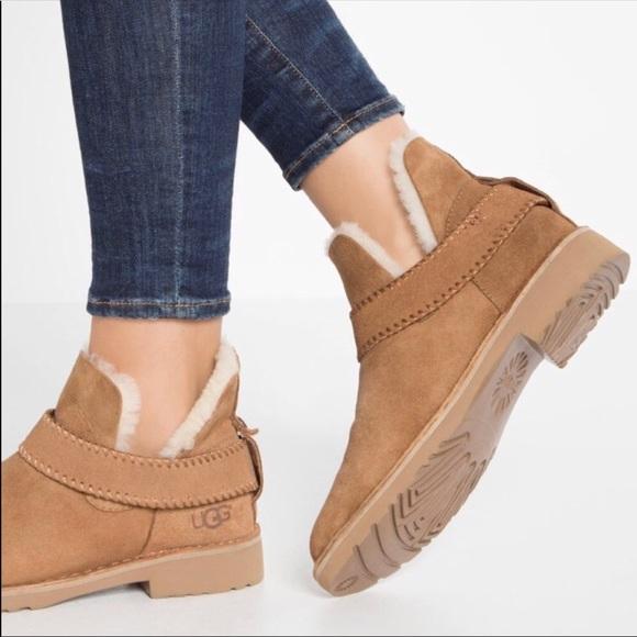 b13e29de2f8 Ugg Women's McKay Boots